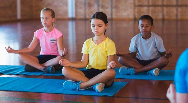 Resultado de imagem para meditação na escola